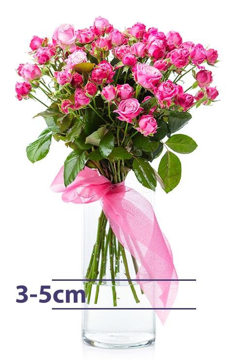 Łodygi kwiatów w wazonie powinny być zanurzone maksymalnie 3-5 cm